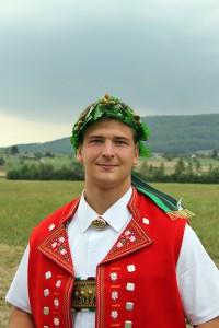 Patric Ueltschi mit dem ersten Kranz in seiner Karriere Foto: Pascal Schönenberger