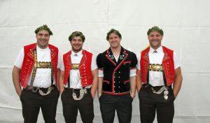 Daniel Bösch, Beat Wickli, Michael Rhyner und Arnold Forrer mit dem Thurgauer Kranz 2016. Foto: Pascal Schönenberger